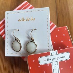 Stella and Dot Isla drops white stone Gold